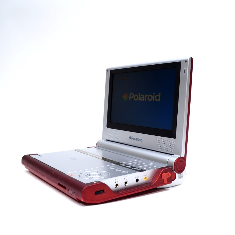 polaroid 8 portable dvd player pdm 0082 w remote case as is for parts or not working. Black Bedroom Furniture Sets. Home Design Ideas