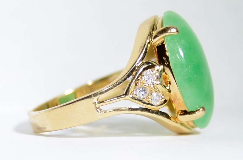 18K Yellow Gold Heart Shaped Diamond Cluster & Green Jade Cocktail Ring sz 4.75