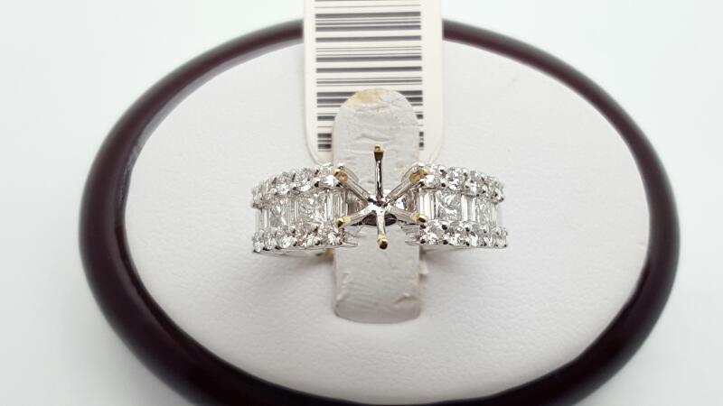 Lady's Diamond Engagement Ring 30 Diamonds 1.24 Carat T.W. 18K White Gold 6g