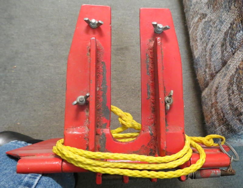 BOAT MOUNT OR TRIM PLATE FOR FISHING OR SMALLER BOAT