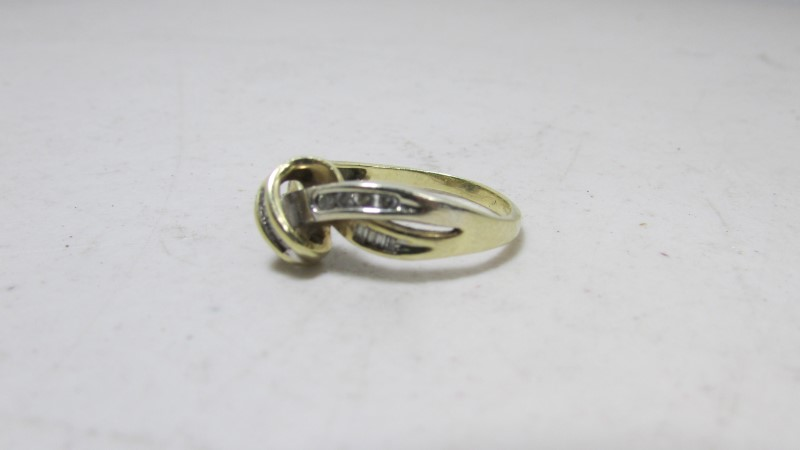 Lady's Gold Ring 10K Yellow Gold 3.48g Size:9