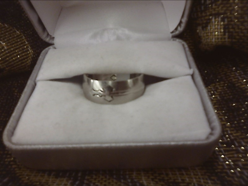STAINLESS STEEL RING W/ SWORD DESIGN SIZE: 8 1/2