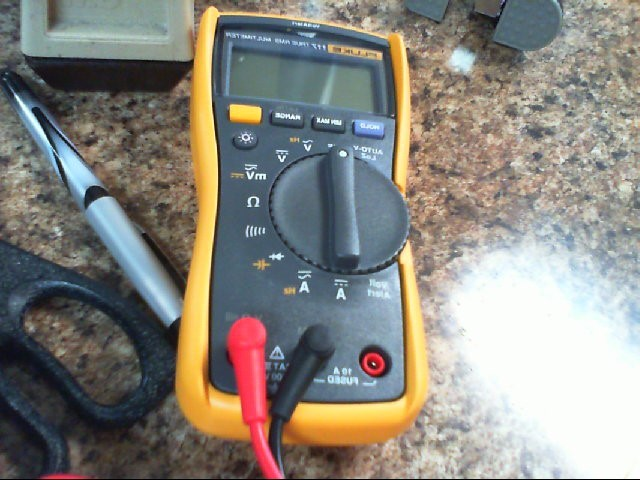 FLUKE Multimeter 117 TRUE RMS MULTIMETER