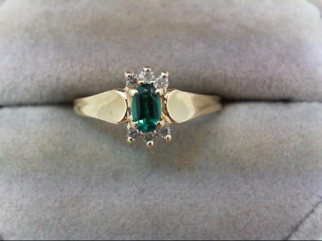 Emerald Lady's Stone & Diamond Ring 6 Diamonds 0.06 Carat T.W. 14K Yellow Gold 2