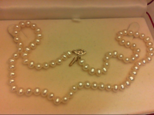 "18"" Pearl Strand Stone Necklace 19.55g"