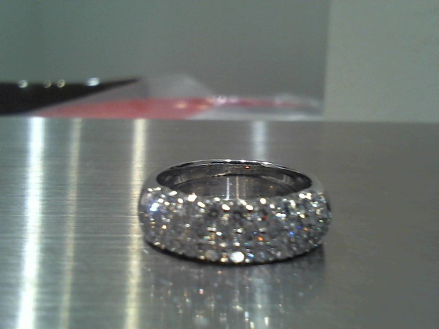 Lady's Gold Ring 18K White Gold 7.9g