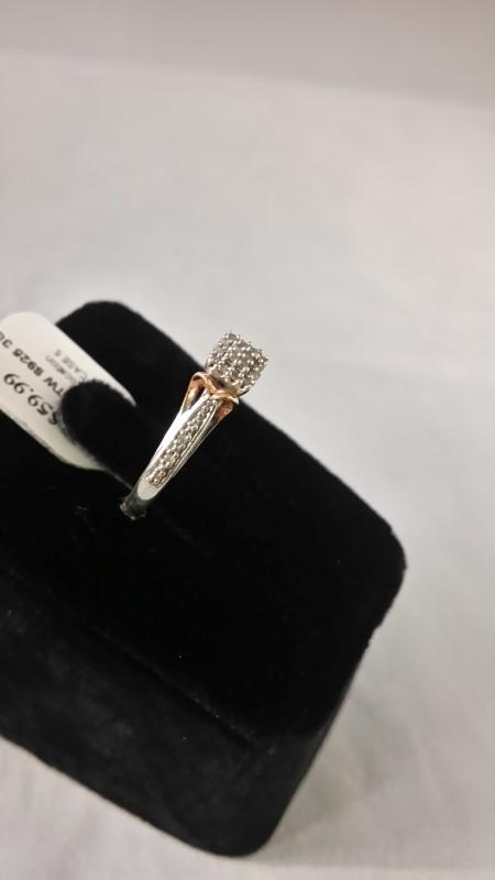 Lady's Silver-Diamond Ring 20 Diamonds .20 Carat T.W. 925 Silver 3g