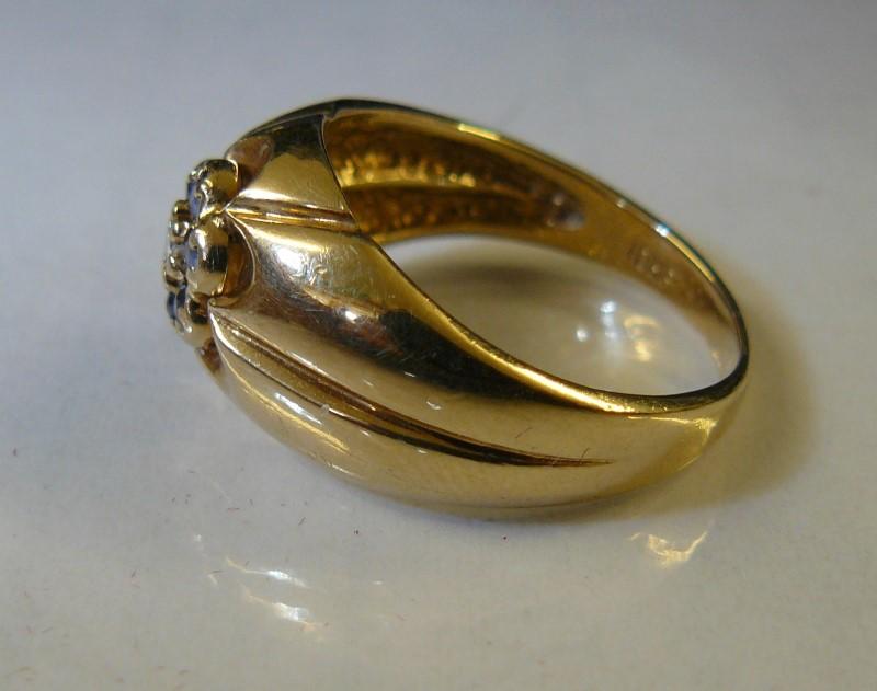 Sapphire Lady's Stone & Diamond Ring .05 CT. 10K Yellow Gold 3.4dwt Size:8.5