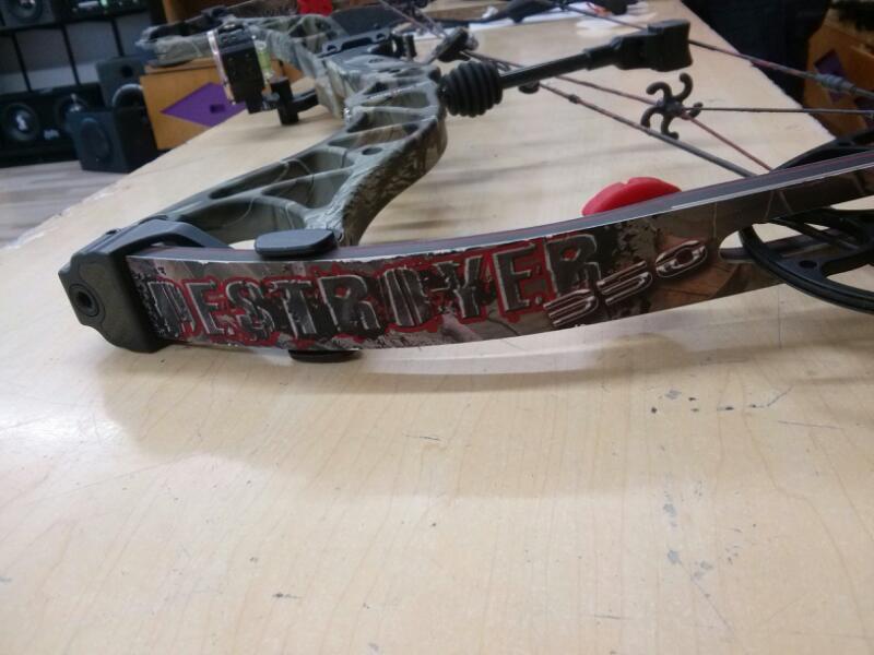 BOWTECH Compound Bow DESTROYER 350