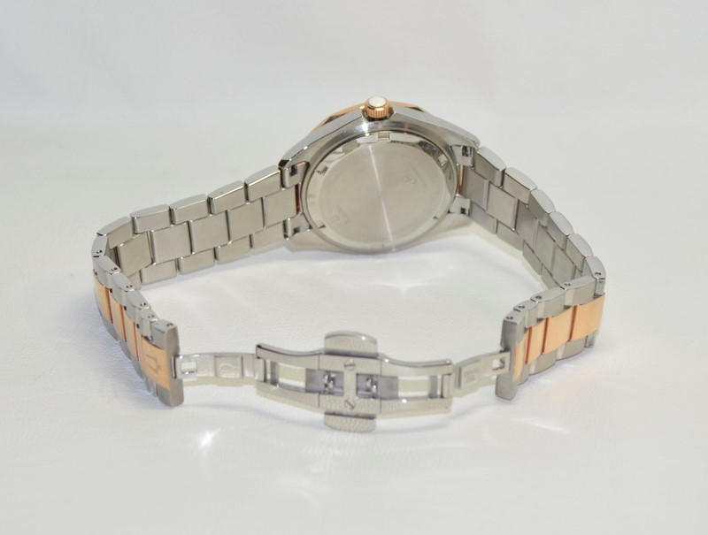 BULOVA Lady's Wristwatch 98M113