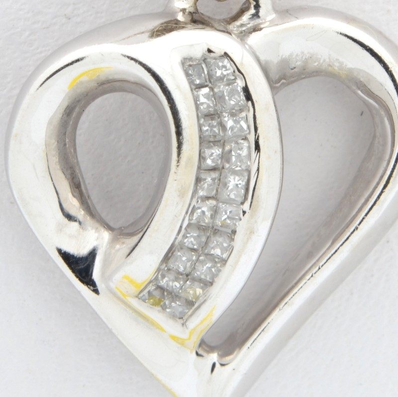ESTATE DIAMOND HEART PENDANT CHARM SOLID 10K WHITE GOLD VALENTINE