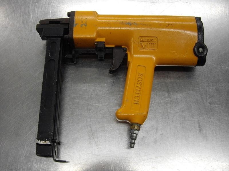 BOSTITCH Nailer/Stapler MIIICFB-1 CORRUGATED STAPLER