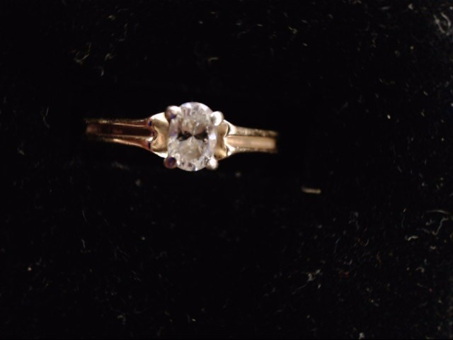 Lady's Diamond Solitaire Ring .15 CT. 14K Yellow Gold 2.4g