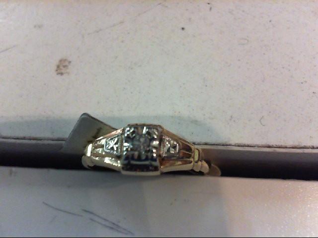 Lady's Diamond Engagement Ring .02 CT. 14K Yellow Gold 1.4g
