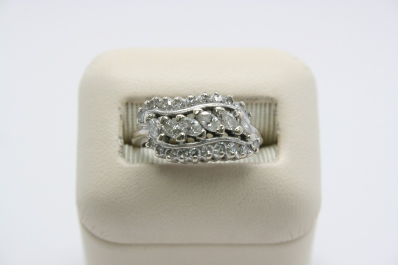 ANTIQUE STYLE LADY'S MARQUISE CUT DIAMOND RING 14K WHITE GOLD