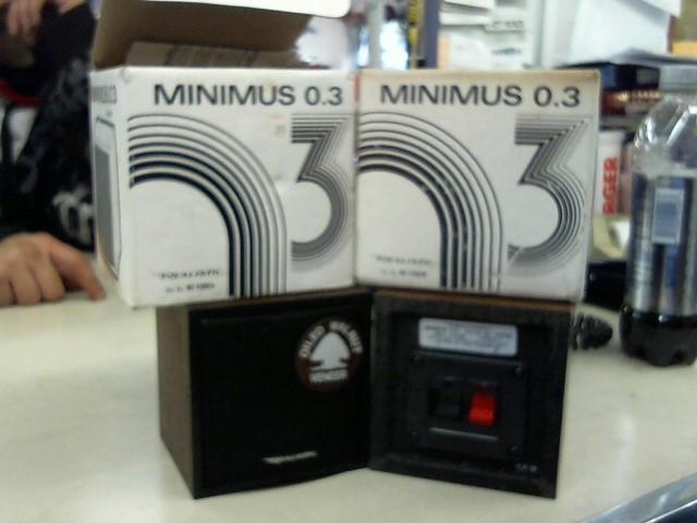 REALISTIC Speakers/Subwoofer MINIMUS 0.3
