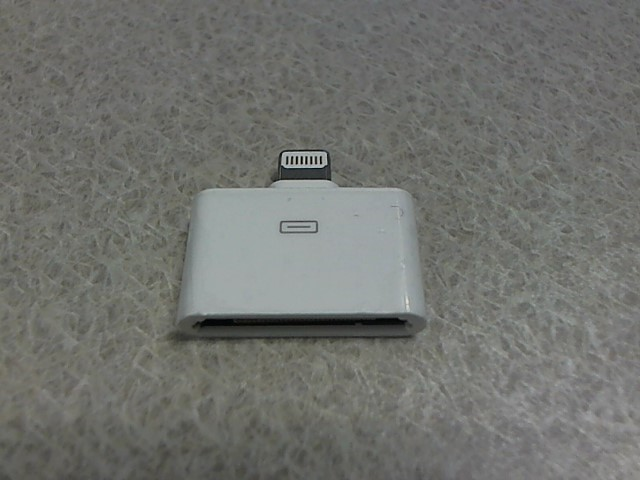 APPLE Cell Phone Accessory IPHONE 5 LIGHTNING TO 30-PIN ADAPTER IN BOX