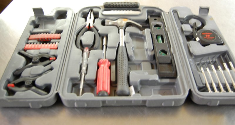 IRON WORKS Mixed Tool Box/Set HOME IMPROVEMENT TOOL KIT