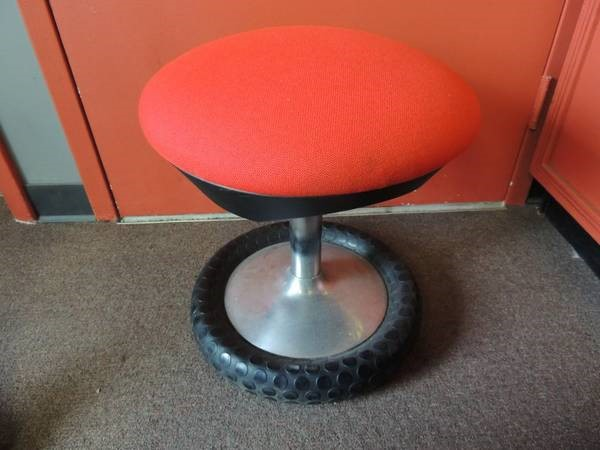 Adjustable Tire-Base Drum / Tattoo Throne / Stool