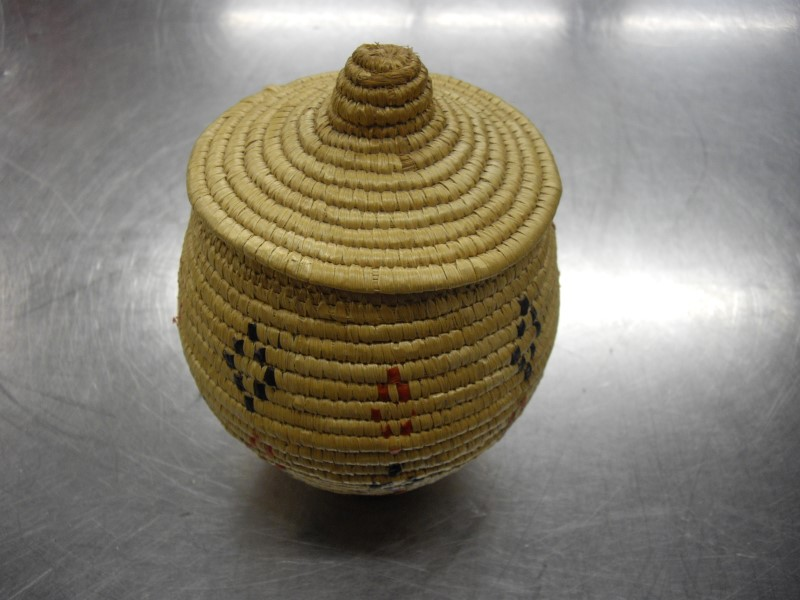 HAND MADE Sculpture/Carving NATIVE WOVEN BASKET