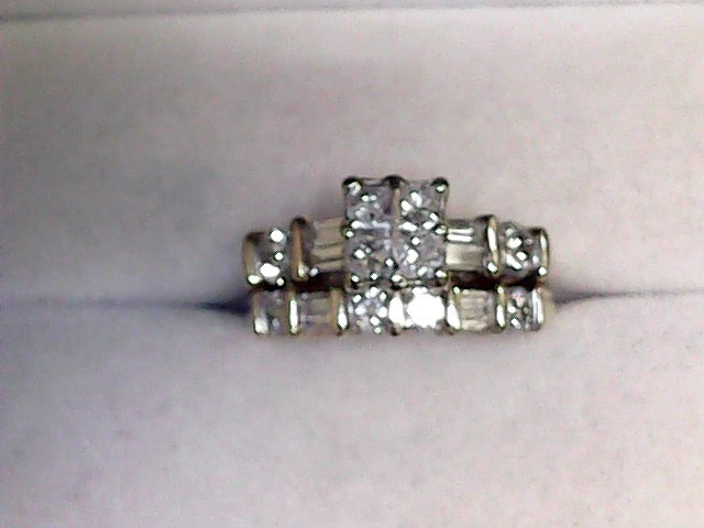 Lady's Diamond Fashion Ring 16 Diamonds 1.64 Carat T.W. 14K Yellow Gold 4.6dwt