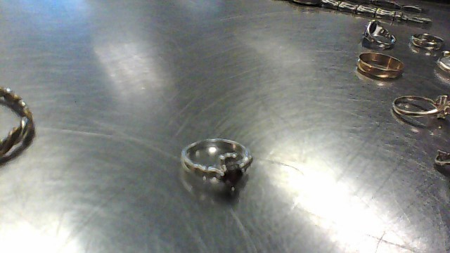Red Stone Lady's Silver & Stone Ring 925 Silver 3.4g