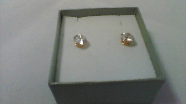 lady's 10k yellow gold round cz stud earrings
