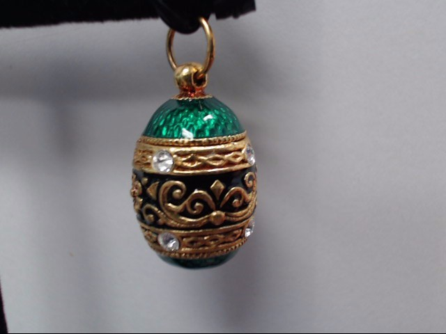 Gold Pendant Yellow Gold Electroplate 8.8g