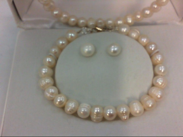 """18"""" Synthetic Pearl Strand Stone Necklace 23.27g"""
