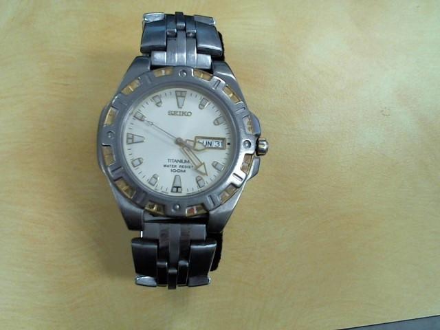 SEIKO Gent's Wristwatch 7N43-8319