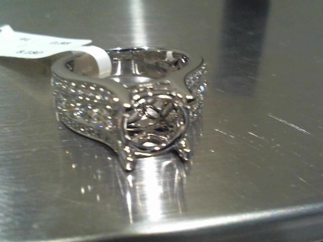 Lady's Gold Ring 14K White Gold 8.2g