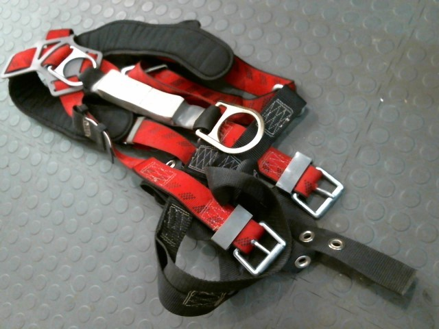 MSA Miscellaneous Tool FP PRO SAFETY HARNESS