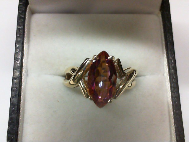 Synthetic Pink Stone Lady's Stone Ring 10K Yellow Gold 2.7g
