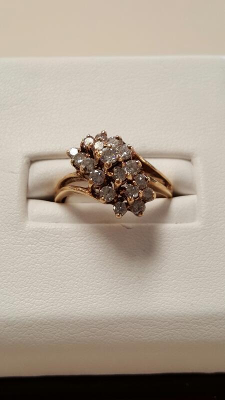 Lady's Diamond Cluster Ring 19 Diamonds 1.90 Carat T.W. 14K Yellow Gold 2.6dwt