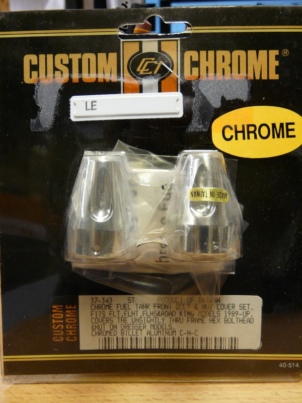 CCI/CHROME SPECIALTI 37343, FLHR/FLT LOWER TANK BOLT AND NUT COVER SET