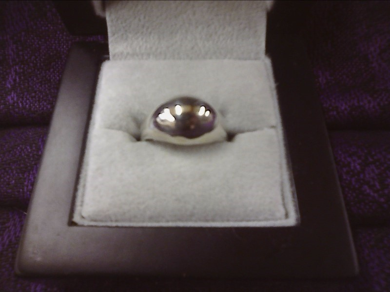 STERLING SILVER RING -DOME DESIGN SIZE: 6 1/2