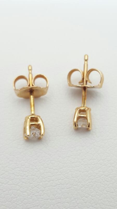 Gold-Diamond Earrings 2 Diamonds .26 Carat T.W. 14K Yellow Gold 0.7g