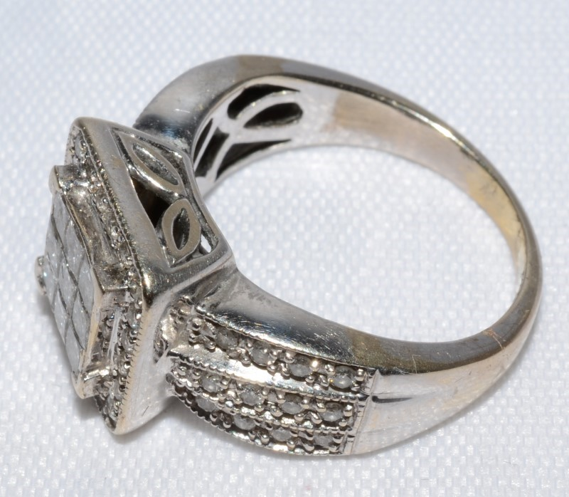 14K White Gold Princess Diamond Halo Cluster Statement Ring w/ Side Accents 6.5