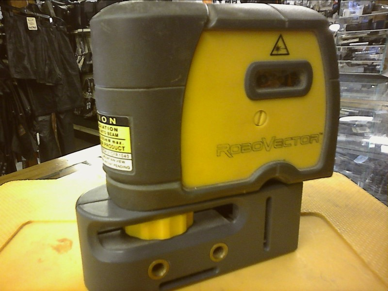 ROBOVECTOR SELF LEVELING, 5 LAZER IN YELLOW CASE
