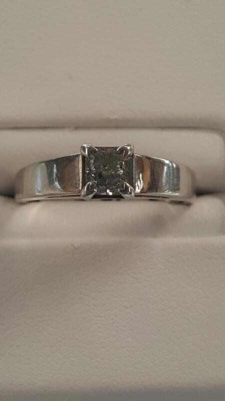 Lady's Diamond Engagement Ring .50 CT. 14K White Gold 2.7dwt