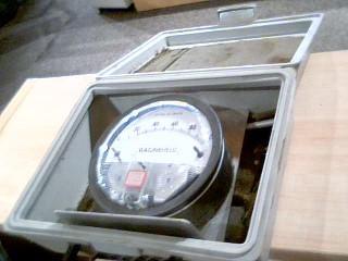DWYER Leak Detector MAGNEHELIC