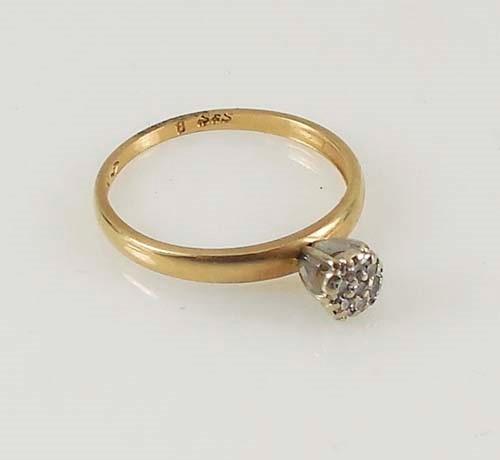 Lady's Diamond Fashion Ring 7 Diamonds 0.14 Carat T.W. 14K Yellow Gold 1.6g Size