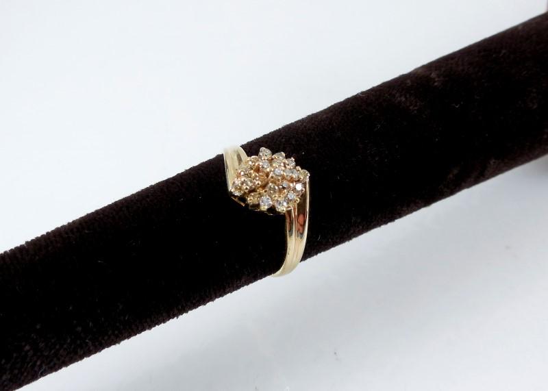 Lady's Diamond Cluster Ring 23 Diamonds 0.46 Carat T.W. 14K Yellow Gold 2.2g Siz