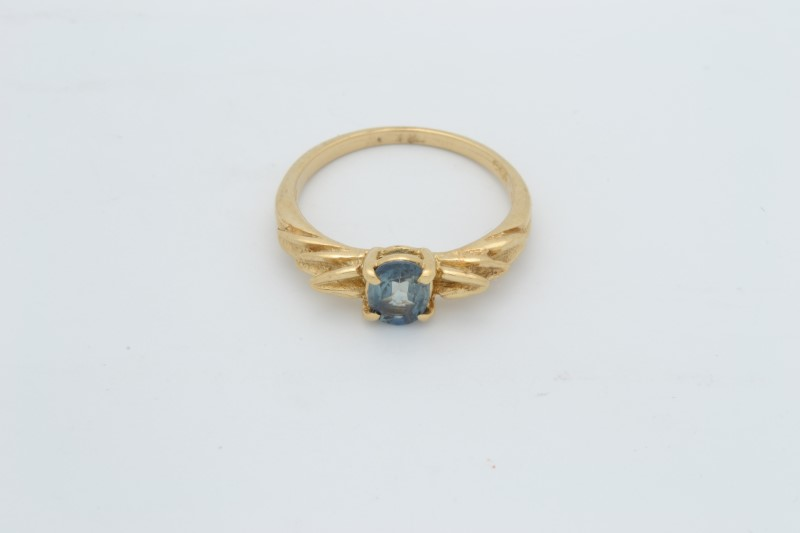ESTATE BLUE TOPAZ RING SOLID 14K YELLOW GOLD OVAL CUT FINE SIZE 5.5