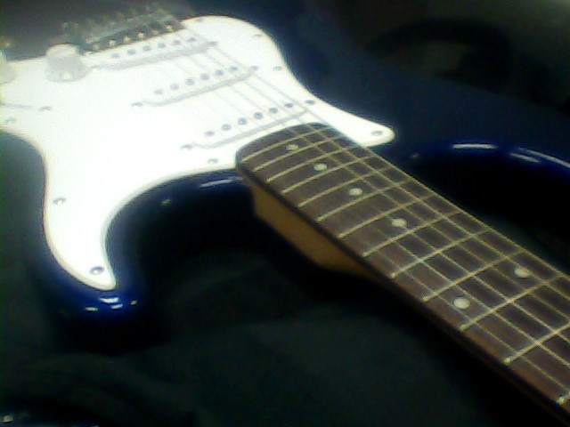 FENDER Electric Guitar STRATOCASTER (INDONESIA)