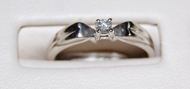 14K White Gold Lady's Diamond Engagement Ring 2.4G 0.1CTW Size 6.25