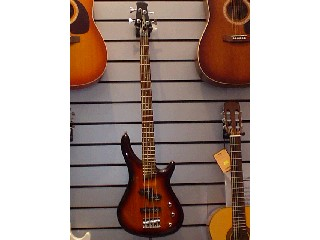 TRADITION GUITARS Bass Guitar B-100