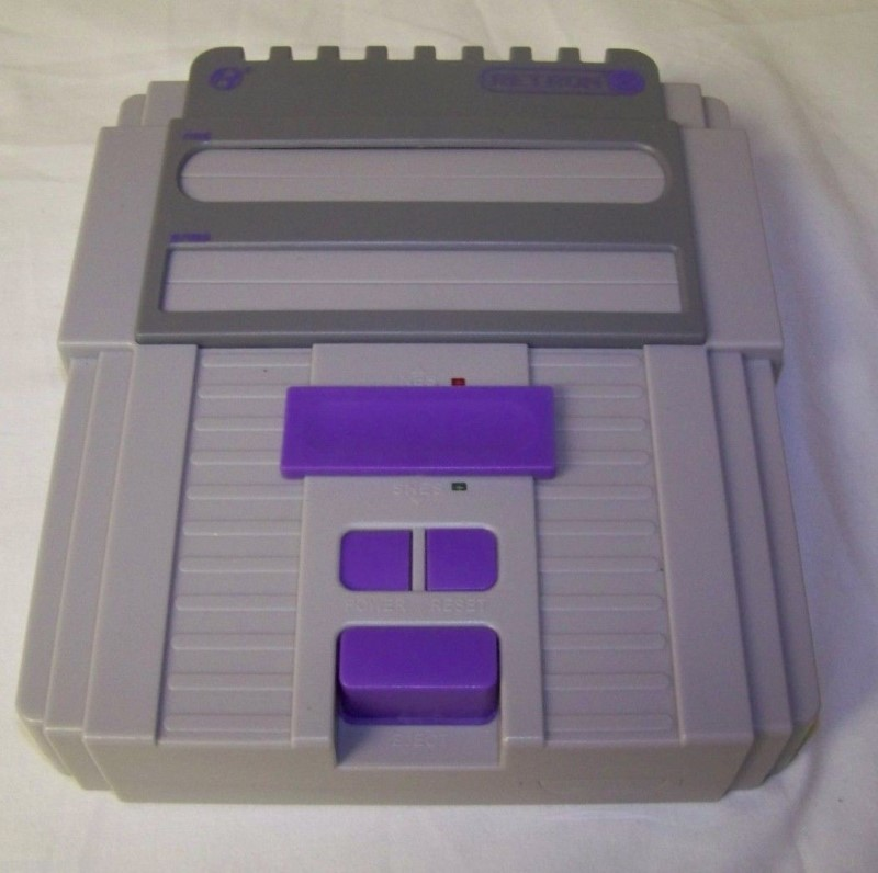 RETRON Game Console M05932-WH