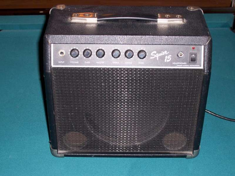 FENDER Electric Guitar Amp SQUIER 15 - AMP