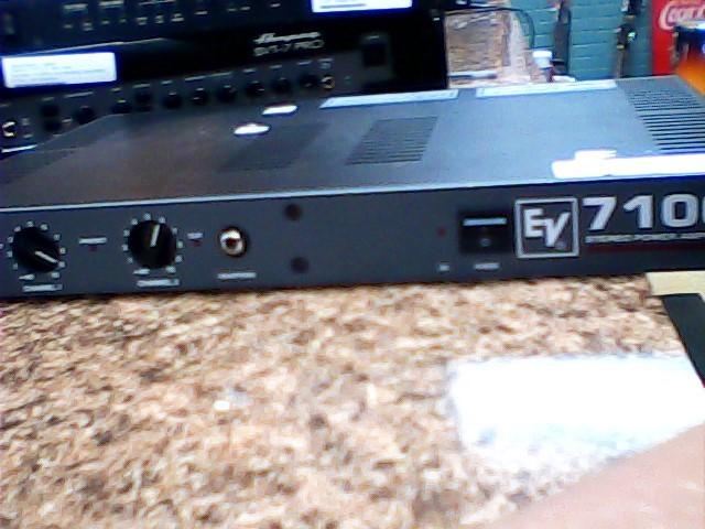 ELECTRO-VOICE Amplifier 7100